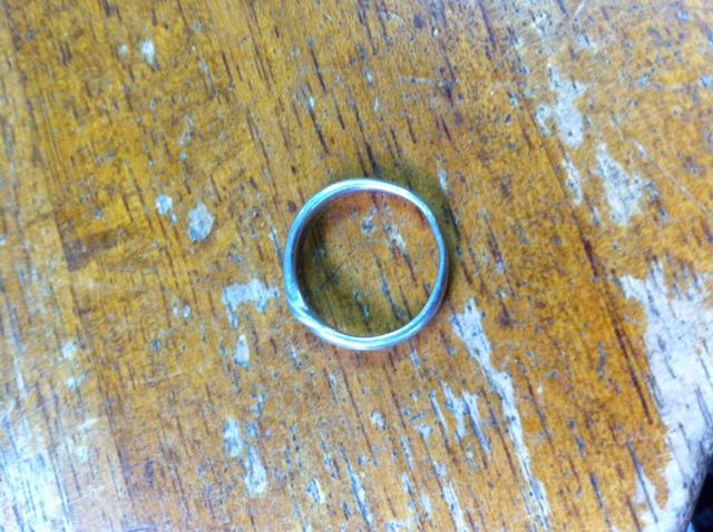 変形した結婚指輪