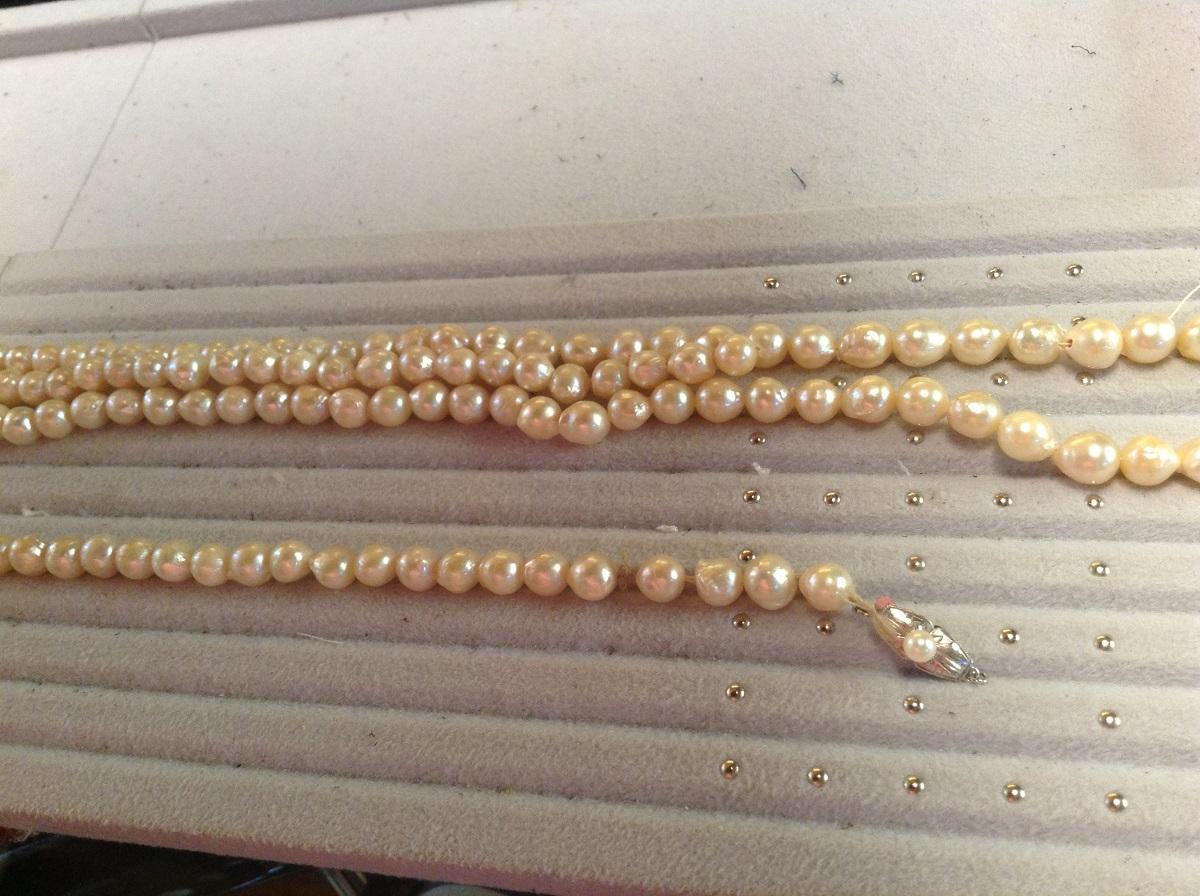 真珠ネックレス修理前