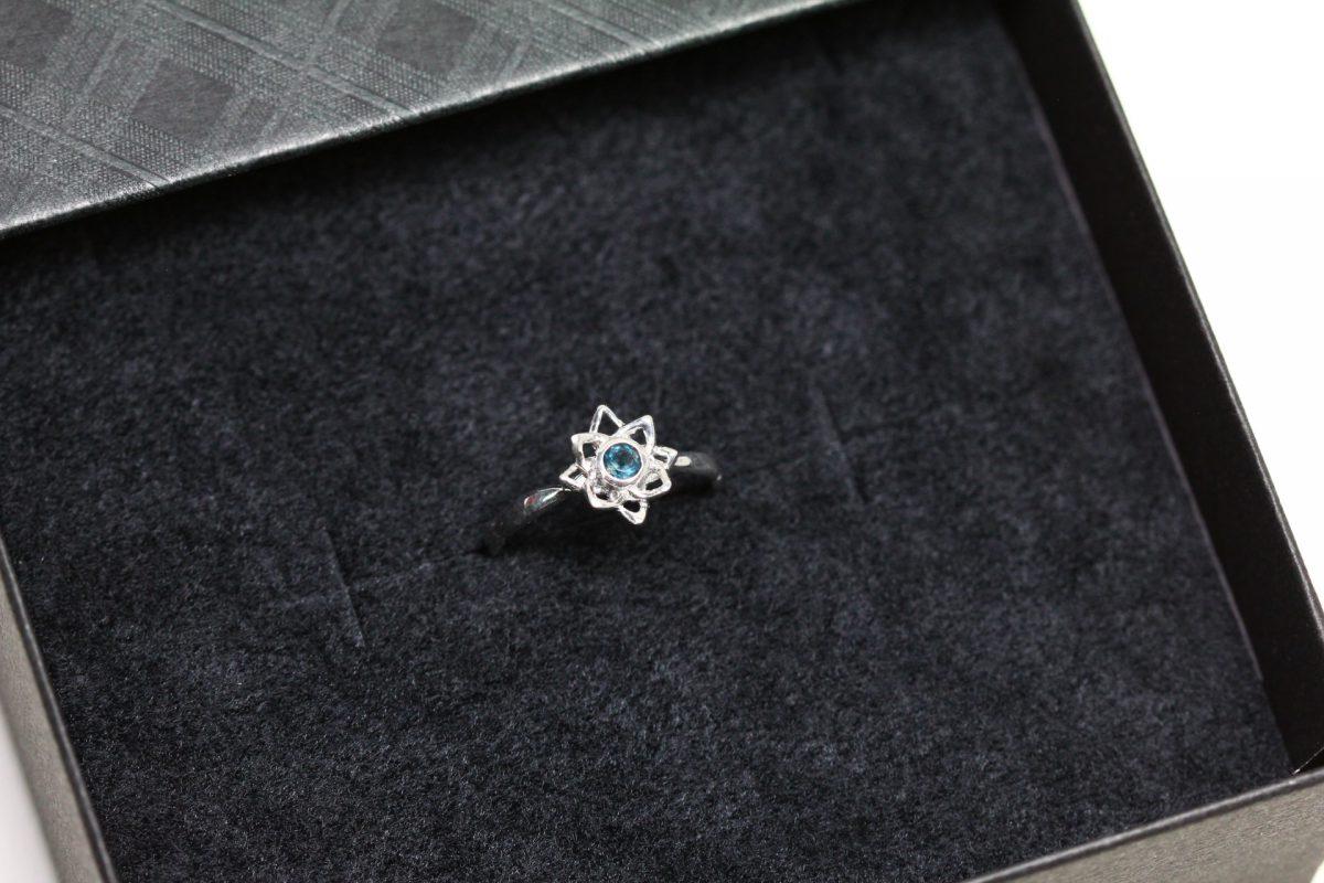 天然石が選べる蓮の指輪ボックス
