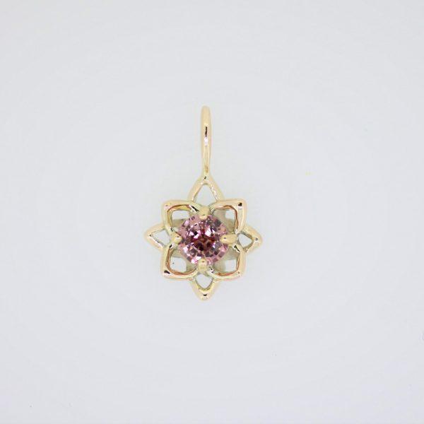 蓮の花チャーム・パパラチアサファイア・K10